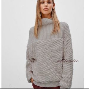 Aritzia Wilfred Montpellier Loop Wool Sweater grey